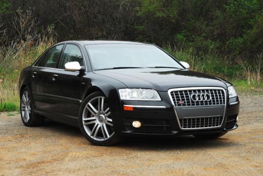 2003 Audi S8 Photo 1