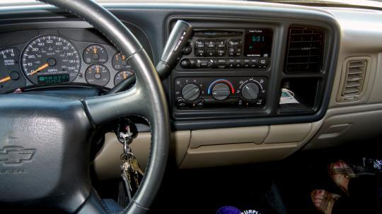 2012 Chevrolet Avalanche - VIN: 3GNTKEE70CG132385 - AutoDetective.com