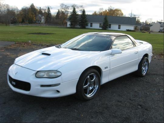 2000 Chevrolet Camaro Photo 1