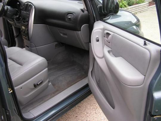 2006 chrysler town and country vin 1a4gp44r16b753182. Black Bedroom Furniture Sets. Home Design Ideas
