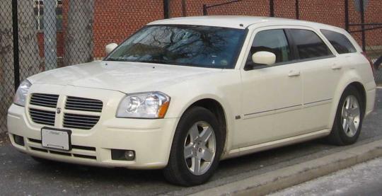 2005 Dodge Magnum Photo 1