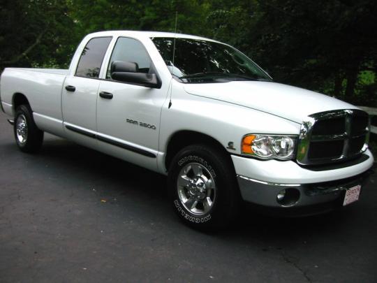 photos videos - White Dodge Truck 2005