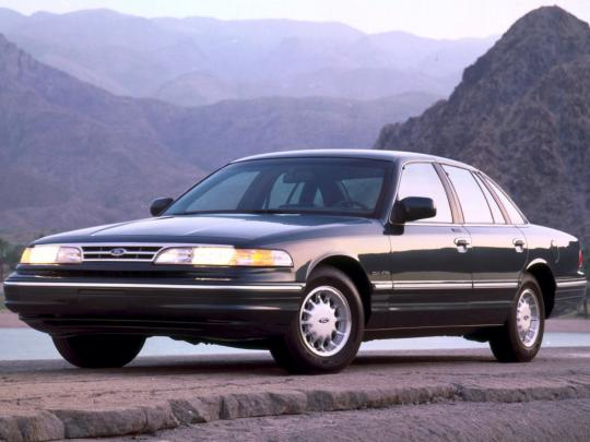 1995 Ford Crown Victoria Photo 1