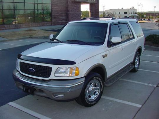 2002 Ford Expedition Photo 1