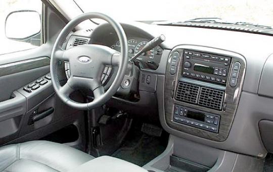 Ford Explorer 2004 Interior