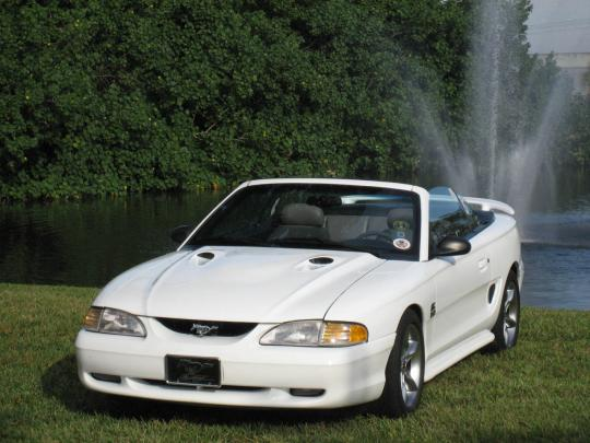 1994 Ford Mustang Photo 1