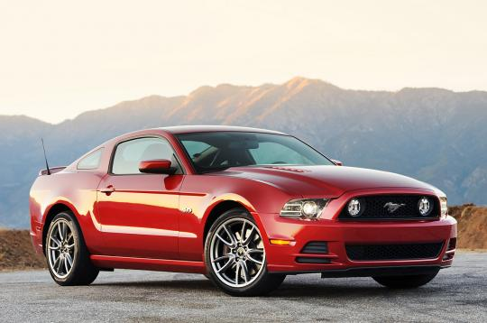 2013 Ford Mustang V6 Coupe Photo 1