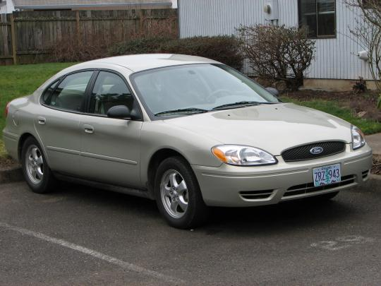 2005 Ford Taurus Photo 1