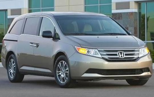 2011 Honda Odyssey Touring Elite exterior