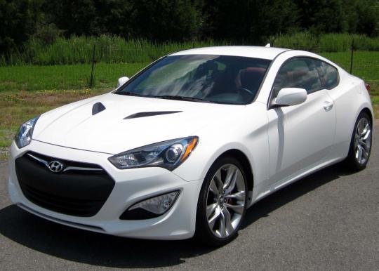 2013 Hyundai Genesis Coupe Photo 1