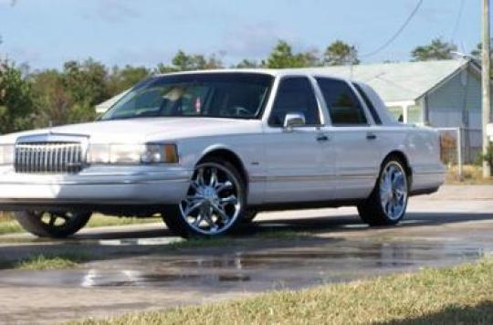 1994 Lincoln Town Car Vin 1lnlm82w3ry741478 Autodetective Com