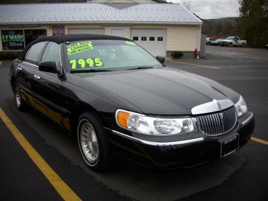 1999 lincoln town car vin 1lnhm82w1xy657288. Black Bedroom Furniture Sets. Home Design Ideas