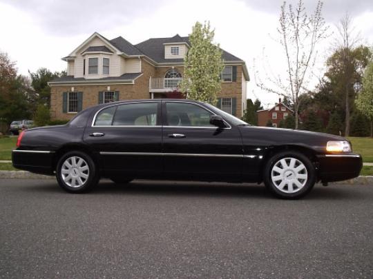 2005 Lincoln Town Car Vin 1lnhm81w65y601264 Autodetective Com