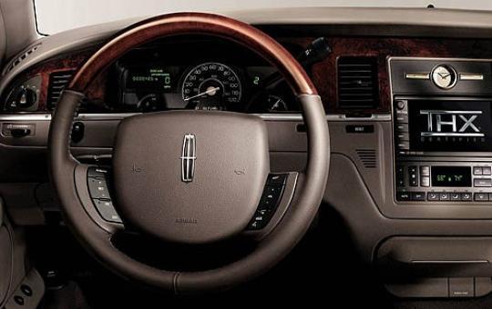 2006 lincoln town car vin 1lnhm83v66y609709. Black Bedroom Furniture Sets. Home Design Ideas