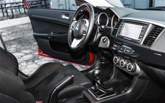 photos videos interior - Mitsubishi Evo Interior 2013
