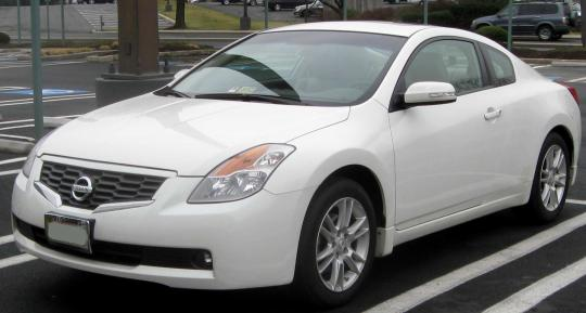 2009 Nissan Altima Photo 1