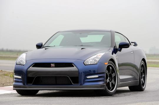 2012 Nissan GT-R Photo 1