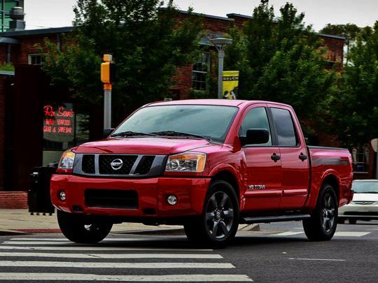 2015 Nissan Titan Photo 1