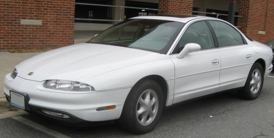 2002 Oldsmobile Aurora Photo 1