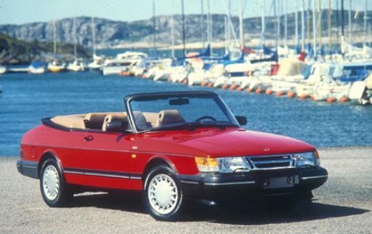 1991 Saab 900 exterior