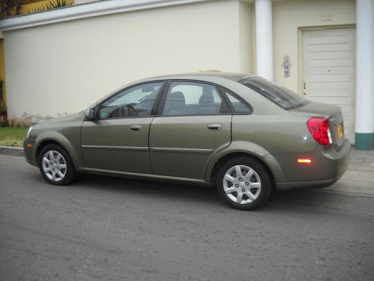 2005 Suzuki Forenza  VIN KL5JD56Z85K139936  AutoDetectivecom