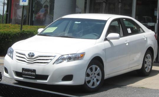 2010 Toyota Camry Photo 1