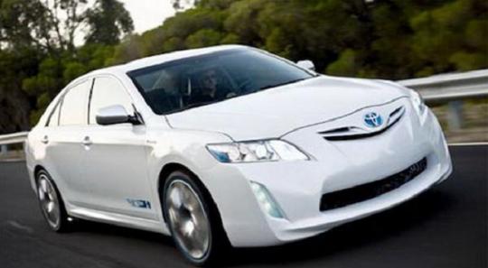 2014 Toyota Camry Photo 1