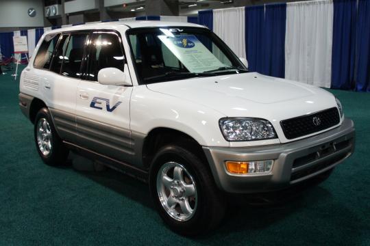 2012 Toyota RAV4 EV Photo 1