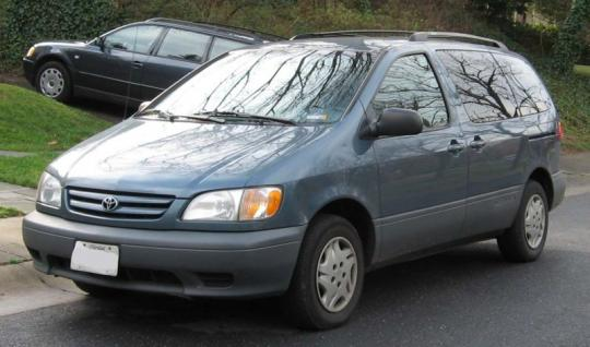 2002 Toyota Sienna Photo 1