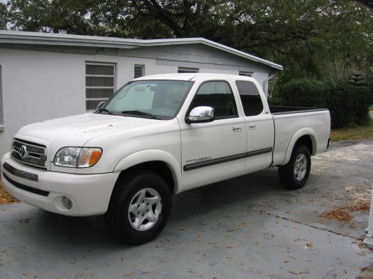 2002 Toyota Tundra 2WD Photo 1