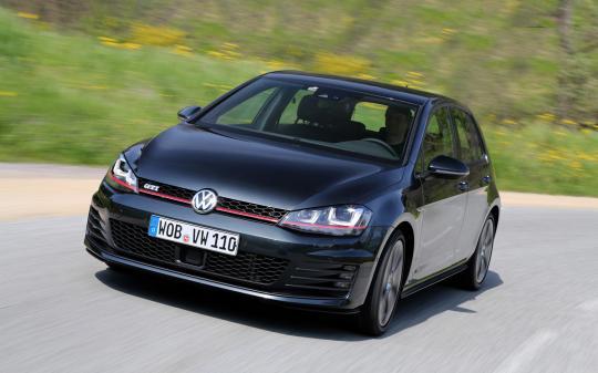 2015 Volkswagen GTI Photo 1