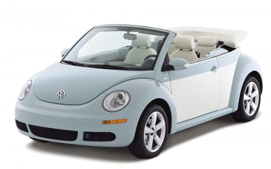 2010 Volkswagen New Beetle Photo 1