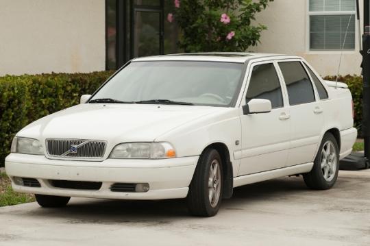 1999 Volvo S70 Photo 1