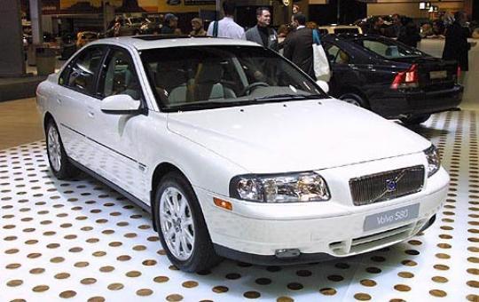 2002 Volvo S80 2 9