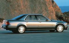 1993 Acura Legend exterior
