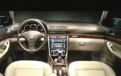2000 Audi A4 interior
