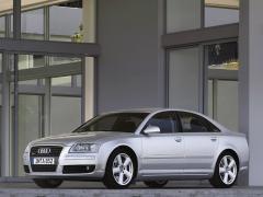 2005 Audi A8 Photo 2