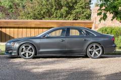 2017 Audi S8 exterior