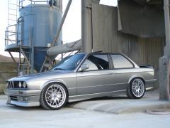 1991 BMW 3-Series Photo 2