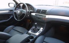 2002 BMW 3-Series interior