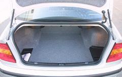 2004 BMW 3-Series interior