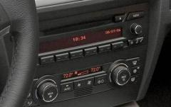 2008 BMW 3-Series interior