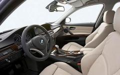 2009 BMW 3-Series interior