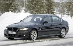 2010 BMW 3-Series Photo 2
