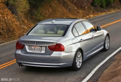 2011 BMW 3-Series Photo 3