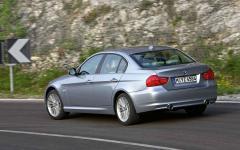 2011 BMW 3-Series Photo 5