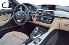2017 BMW 3-Series interior