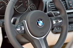 2018 BMW 3-Series interior