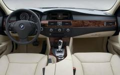 2009 BMW 5-Series interior