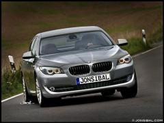 2011 BMW 5-Series Photo 25